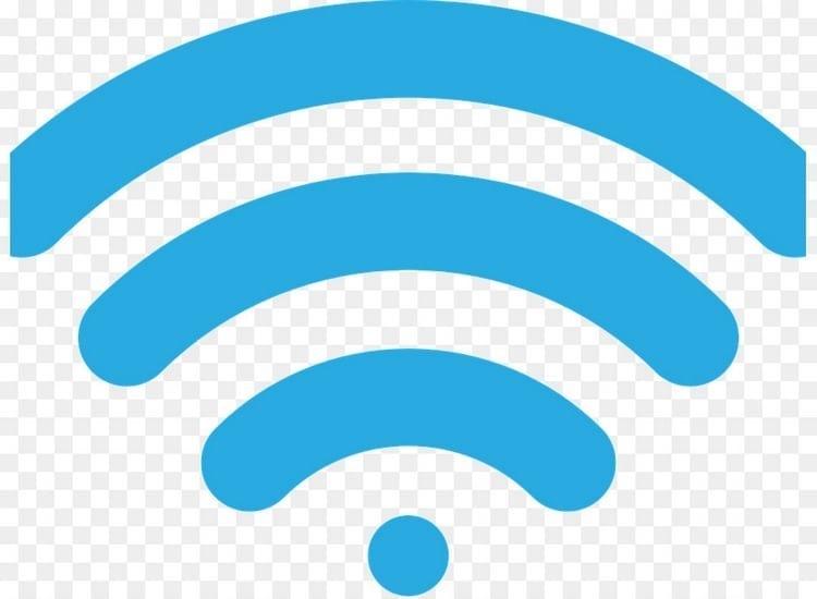 A través de conexiones WiFi gratis